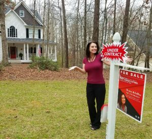 Denise Delahoz - Real Estate Agent and Relocation Specialist
